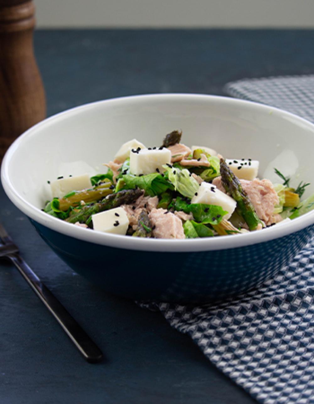 Sağlıklı Beslenenleri Böyle Alalım: Doyurucu ve Lezzetli Salata Tarifleri